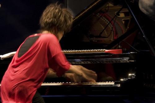 Hiromi movida   Concierto: Hiromi en el Festival Jazz San Javier, fuegos artificiales y poco más   Fotografía