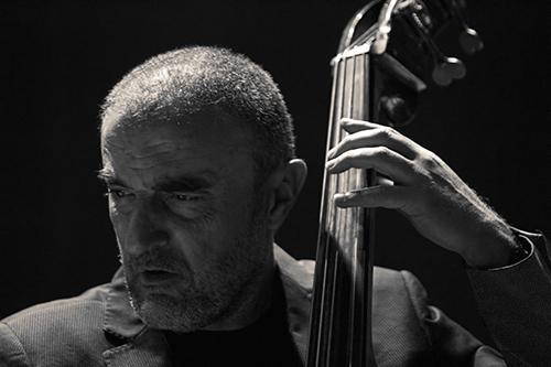 Xavi Folch: siempre concentrado; © Álex García