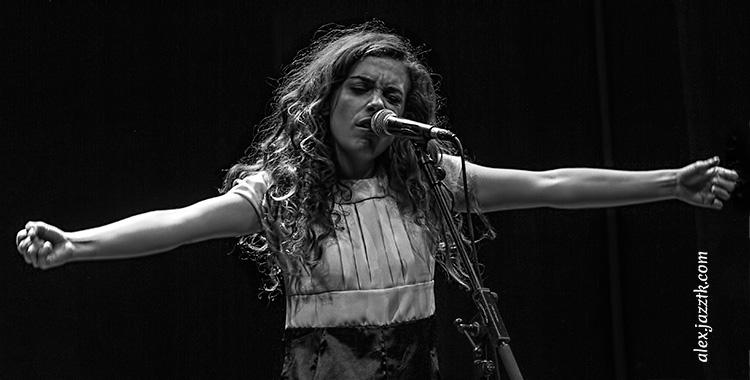 Verónica Ferreiro, toda expresividad; Foto: Álex García